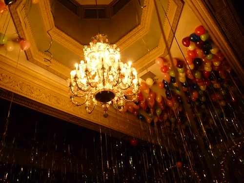 chandelier w/balloons