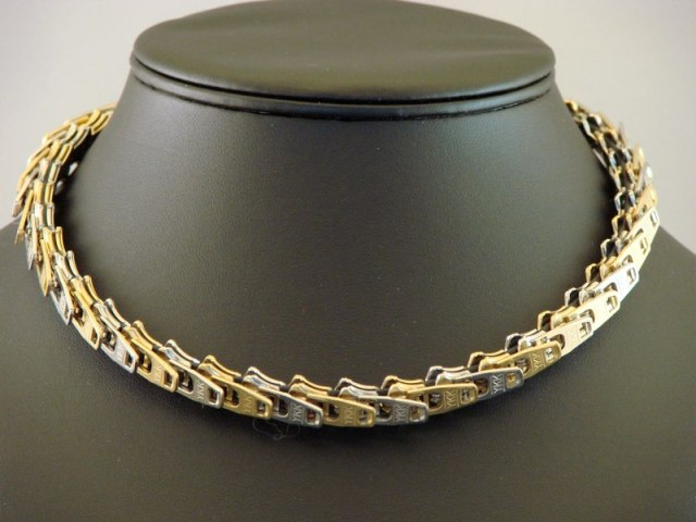 Zipper pull necklaces by Louise Loewenstein 1