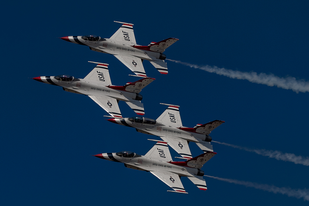 All-Thunderbirds-in-formation_2808