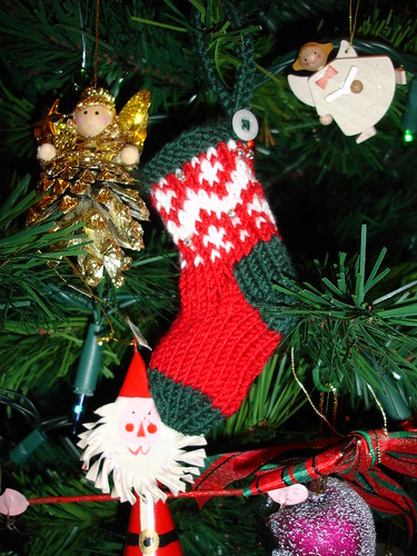 Mini stockings on the tree (4)