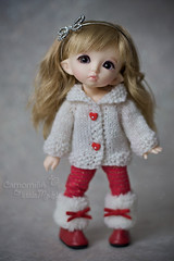::  | White & Red (.o  ) Tags: cute canon 50mm doll eli elf fairy tiny bonnie bjd etsy dollfie amina fairyland canoneos elisa glasseye camomilla 40d 18 littlemodels eos40d camomillaphotobook pukifee