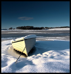 Winter boat (Nestor M) Tags: winter snow greatphotographers festiveseason imagepoetry topseven platinumpeaceaward bestofmywinners