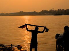 (panthajon) Tags: life street city bridge light sunset sun india west water photography kolkata bengal calcutta ganga kolkatta howrah howrahbidge