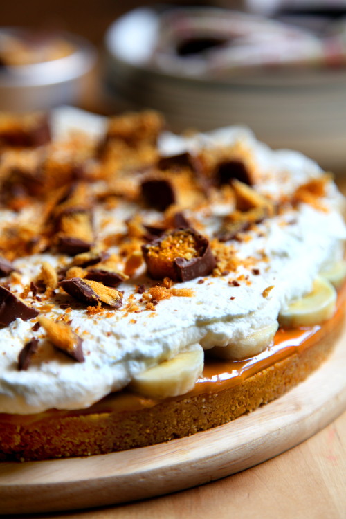 :: Crunchie Sticky Banoffee Pie!