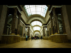 tunnel of art () Tags: paris france museum hall louvre perspective tokina museo francia caravaggio raffaello botticelli parigi musedulouvre leonardodavinci corridoio italianpainting salvatorrosa lucagiordano 1116mm pitturaitaliana ilveronese vincenzopapa
