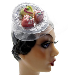 """Sweets for My Sweet"" Valentine's Day Hat (Topsy Turvy Design) Tags: prom bridal burlesque hearthat piratehat vintagehat cocktailhat promhat circushat costumehat candyhat customhat topsyturvydesign foodhat bridalhat burlesquehat topsyturvydesignetsy dragqueenhat valentinesdayhat"