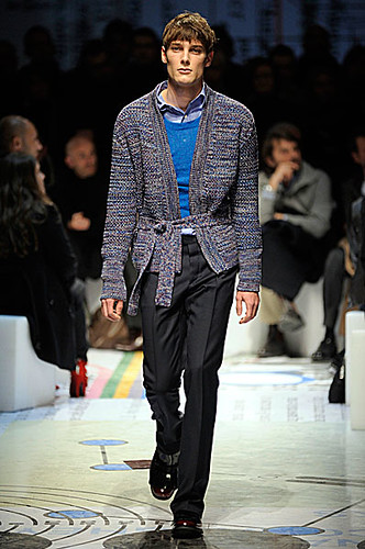 James Hampson3090_FW10_Milan_PRADA(nikestav10@mh)