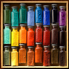 Pigments (Periegese [ timeout ]) Tags: en verde art colors canon square rainbow gallery colours colore couleurs tubes arc colores peinture ciel siena 60mm rainbows dye terra rosso colori nero poudre pigment tempera huile bruciata farben dore arcenciel carr pigments substance colorante knstler  gallerie pittura colorant lliwiau