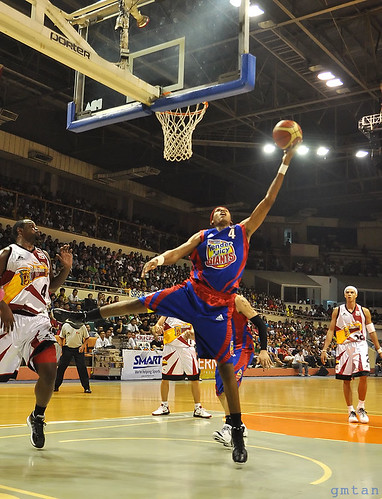 Rafi Reavis contributed 12 pts, 8 rebs, 2 asts and 2 stls