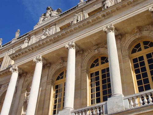 Versailles exterior 2
