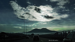 Napoli svegliati! - Naples wake up! (Marioleona) Tags: italy clouds landscape nuvole paisaje paisagem napoli naples paesaggio landschap mariobrindisi cainapoli