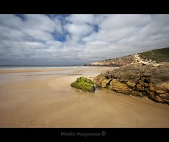 Praia do Zavial - Portugal (N) Tags: voyage travel viaje vacation holiday beach portugal strand vacances vakantie sand rocks surf sable rocky playa arena destination  plage vacaciones  zand reizen vakanties    bestemming surfersbeach  toerisme         the4elements   praiadozavial   letourisme     noeliamagnusson wwwnoeliamagnussoncomnnoemagnusson nmagnusson