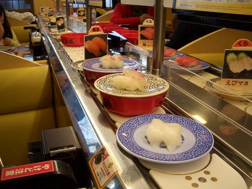 回転寿司(kaiten-sushi)