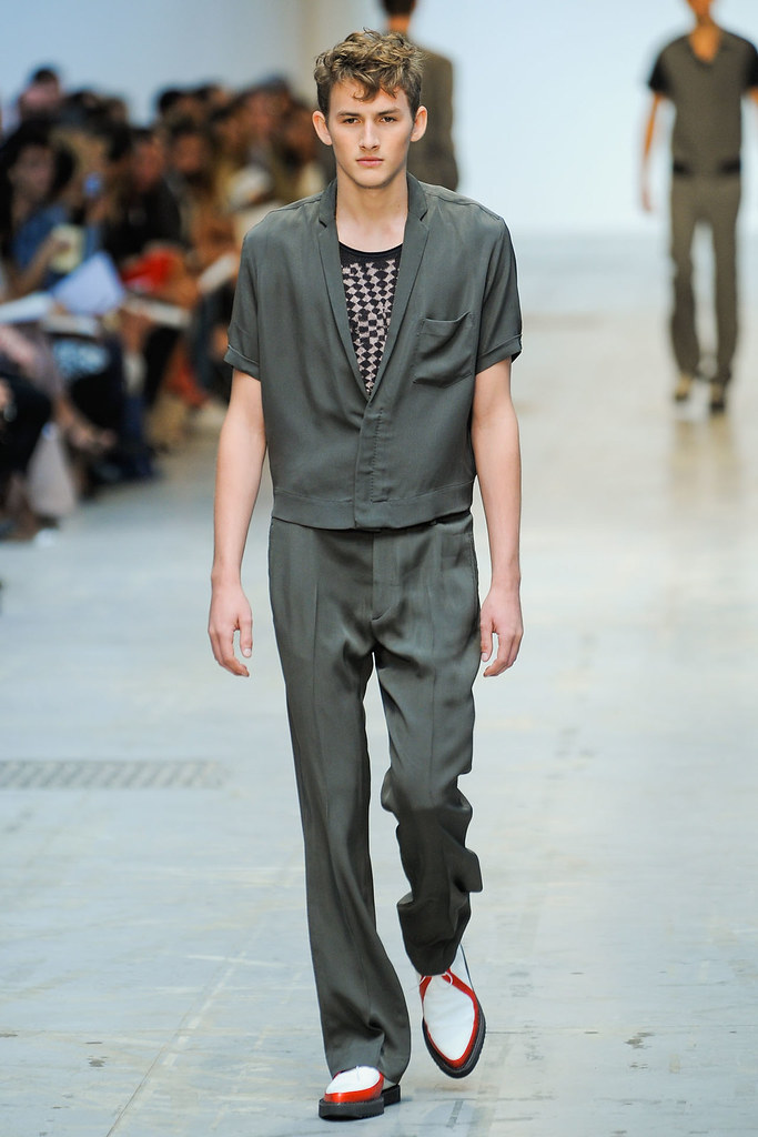 SS12 Milan Costume National Homme011(VOGUEcom)