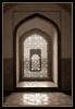 CELOSIA / CONTRALUZ (MONTXO-DONOSTIA) Tags: celosia contraluz duotono suave palacio ventana india