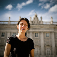 Gosita en Madrid (byfer / Fernando Ocaa) Tags: madrid portrait color 35mm nikon retrato palace d200 f18g gosiajanik