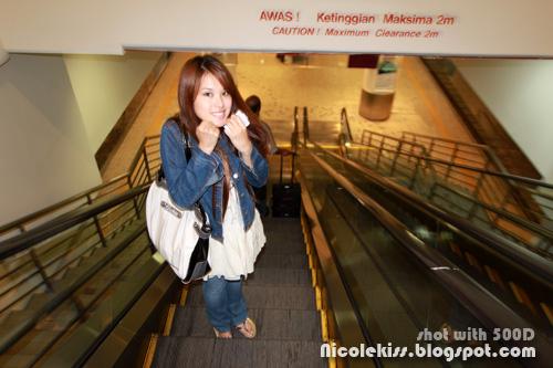 escalator down klia transit