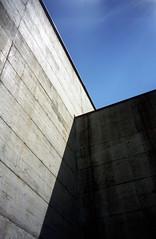 la Congiunta (jpmm) Tags: museum architecture concrete switzerland ticino 1999 schaduw beton giornico petermarkli hansjosephsohn exdia