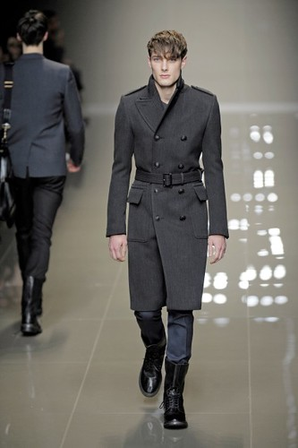 James Hampson3084_FW10_Milan_Burberry Prorsum(first VIEW)