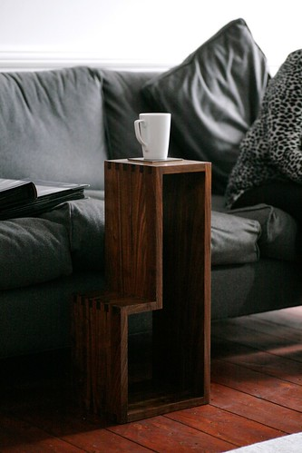 L-shaped nesting tables 2