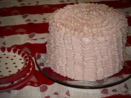 valentines cake ruffle pink