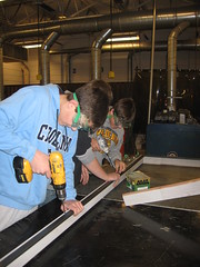 New London students building solar thermal panels