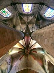 Barcelona (eagle-ffm) Tags: barcelona travel church window spain europe pattern fenster kirche column muster spanien reise gotik gotic sule