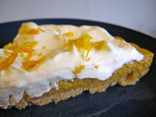 the finished product: pumpkin banana mousse tart!