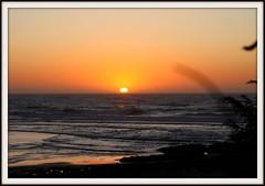 Por do sol / Sunset (antoninodias13) Tags: pordosol luz praia portugal mar surf algarve caminhos pesca reflexos sombras passeios falésias silhuetas caminhadas serenidade convívio ilustrarportugal goldstaraward sérieouro worldwidelandscapes flickrestrellas silêncios grouptripod