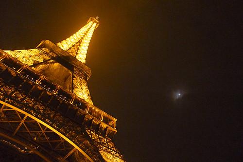 フリー画像| 人工風景| 建造物/建築物| 塔/タワー| エッフェル塔| 夜景| フランス風景| パリ|    フリー素材|