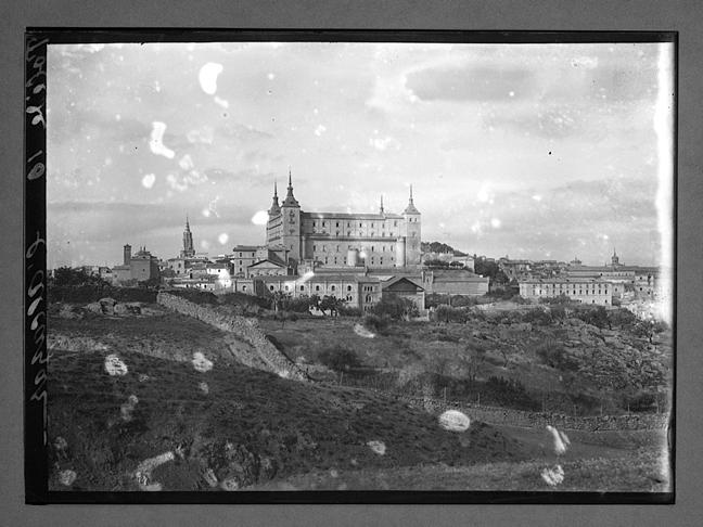 Toledo visto desde el este hacia 1910. Fotografía de Charles Chusseau-Flaviens. Copyright © George Eastman House, Rochester, NY