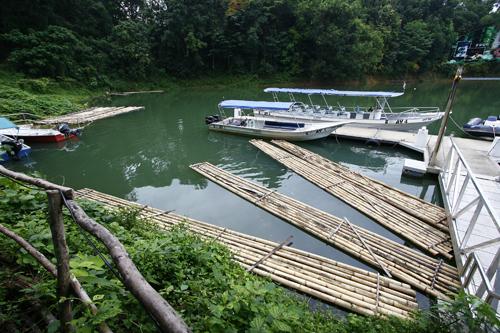 Bambo Rafting : Belum Resort, Pulau Banding, Perak
