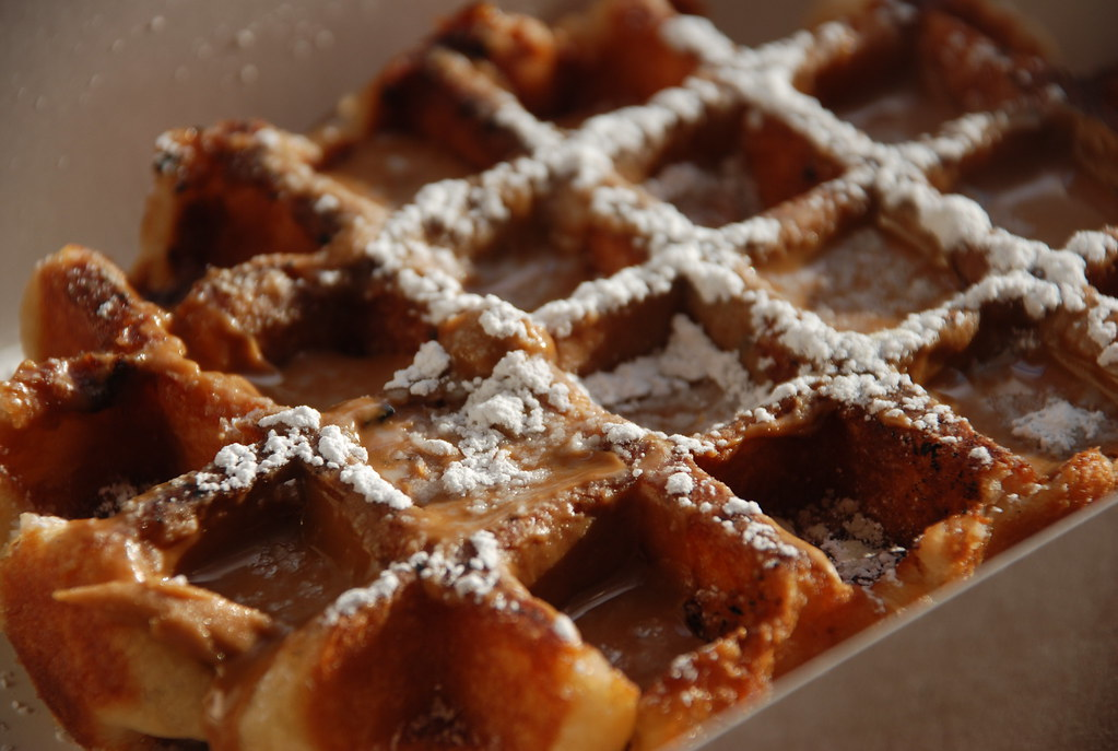 the liege wafel (that beat Bobby Flay!) go, @waffletruck