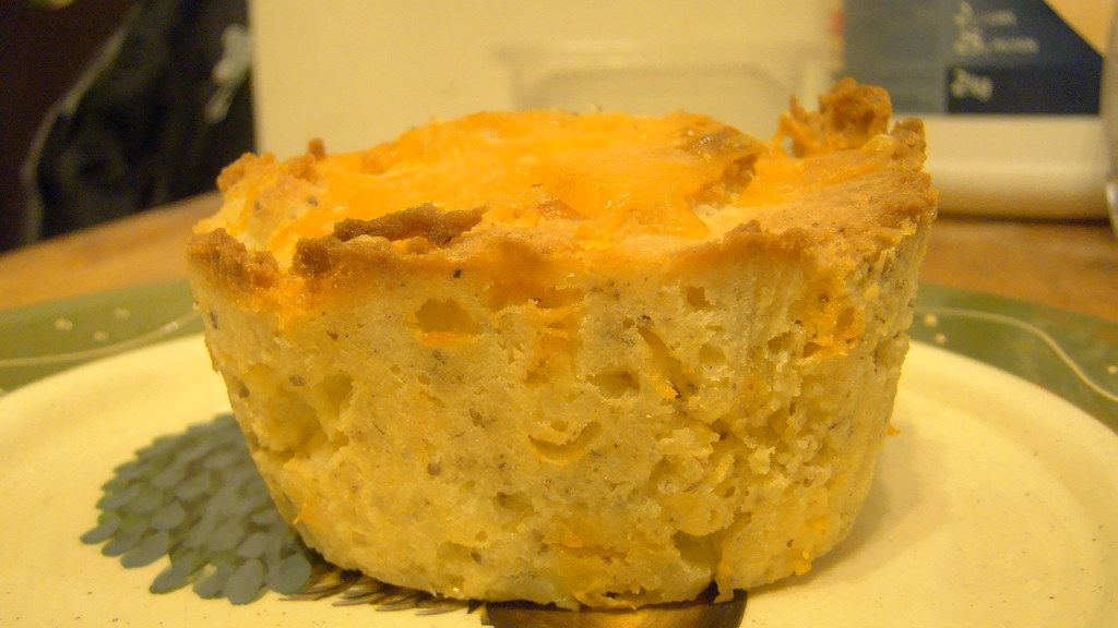 Low Carb, Coconut flour, sugar & wheat free, cheesy garlic bread