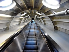 Hasta el infinito...! (lor3nzito_ric0h) Tags: belgium bruselas brussel atomium picnik esfera bélgica escalerasmecánicas