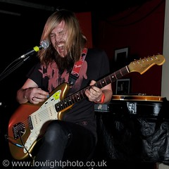 Band of Skulls @ 100 Club (07) (Andy_Sheppard) Tags: london 100club wwwlowlightphotocouk bandofskulls