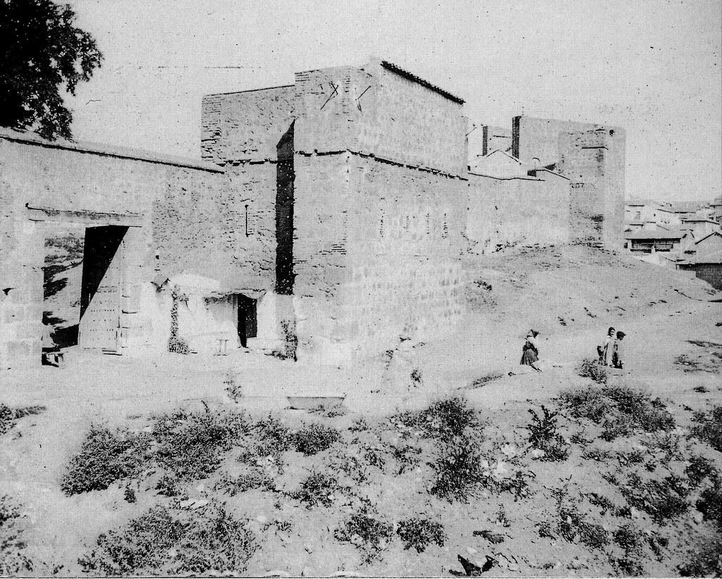 Puerta del Vado a principios del siglo XX. Fotografía de Pedro Román Martínez