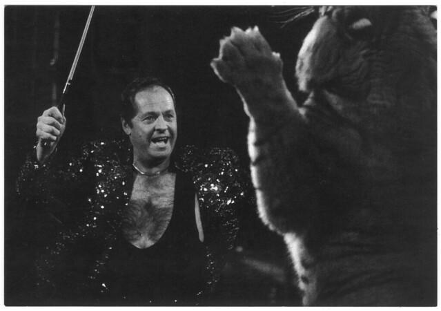 Daniel Suskow (Cirque ACHILLE ZAVATTA, dir. Micheletty. 1992)_LAventure Carto (Le Grand Kervi Circus; 92074). Photo Yvon Kervinio