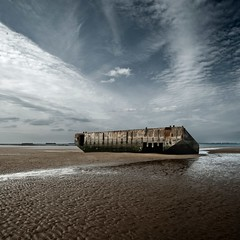 D-Day (Julio López Saguar) Tags: sky france beach earth horizon playa normandie francia normandia diad desembarco dayd juliolópezsaguar
