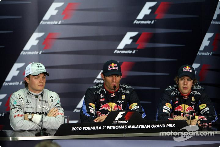 GP de Malasia 2010, clasificación. Conferencia de prensa, de izq. a der.: 2º Nico Rosberg; 1º Mark Webber; 3º Sebastian Vettel.