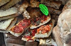 lucca food shop (joan_marti CASANOVAS) Tags: luca comida pizza empanada delicatesen xarcuteria foccaccio salumeri joanmarti tomatepimientos