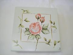 cx porta joia m rosas (Imer atelie) Tags: folhas branco brasil minas flor artesanato mimo botão caixa rosas decoração pintura mdf utilidades quadrada azulclaro portajoia laqueada imeratelie