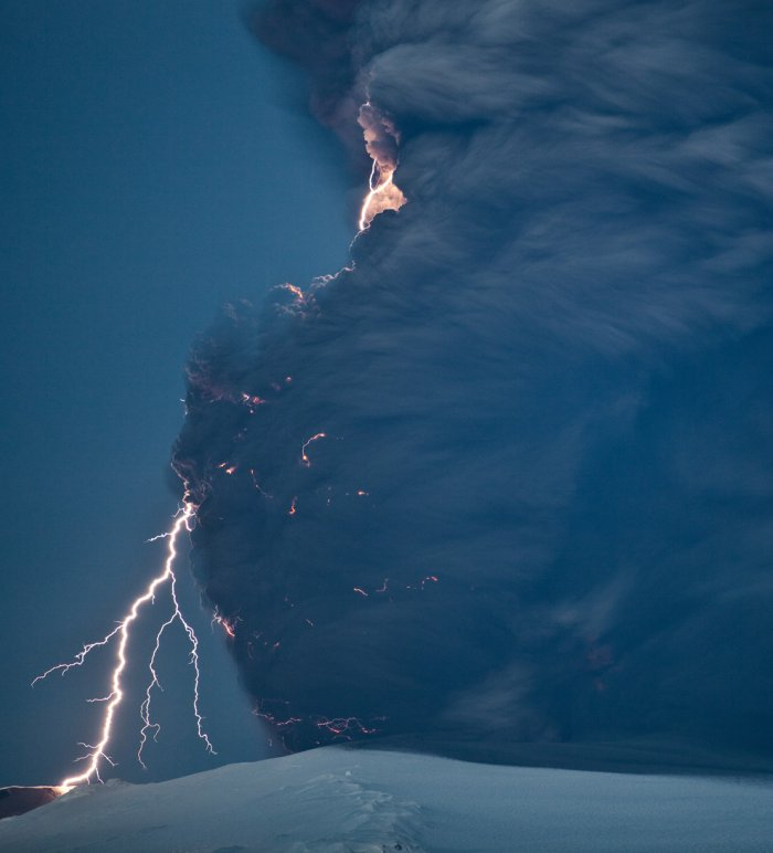 iceland volcano lightning. iceland volcano lightning