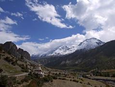 Looking back (LeelooDallas) Tags: nepal sky cloud mountain trek asia day fuji cloudy hiking dana finepix himalaya s9500 circuit 2009 annapurna manang iwachow