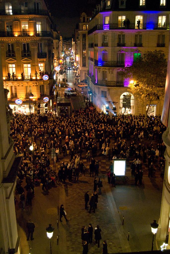 La foule devant le Printemps