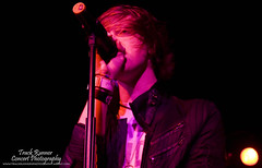 Stereo Skyline@ Starland Ballroom (TrackRunner09) Tags: show pink light music orange rock skyline concert live gig crowd stereo microphone lead concertphotography 2009 musicphotography trackrunner09 ericacheaversjr