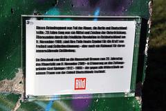 Fragment der Berliner Mauer in der berseestadt - 3 (krongy) Tags: berlin wall photo foto shot pics picture pic photograph berlinwall ddr bremen bild 2009 gdr fragment berlinermauer nappi krong berseestadt exif:exposure_bias=0ev exif:exposure=0004sec1250 exif:iso_speed=100 exif:focal_length=50mm sebastiannapierkowski lloydstrase exif:aperture=f80 camera:make=canoncanon exif:flash=offdidnotfire napierkowski meta:exif=1261184450 camera:model=canoneos400ddigitalcanoneos400ddigital