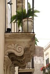 Siracusa-Ortigia, Via Santa Teresa (HEN-Magonza) Tags: italien italy italia balcony balkon syracuse sicily baroque barock sicilia siracuse sizilien syrakus siracusaortigia viasantateresa