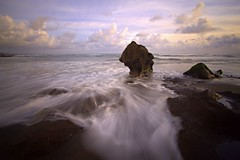 Motion (Helminadia Ranford) Tags: seascape motion beach wave seseh