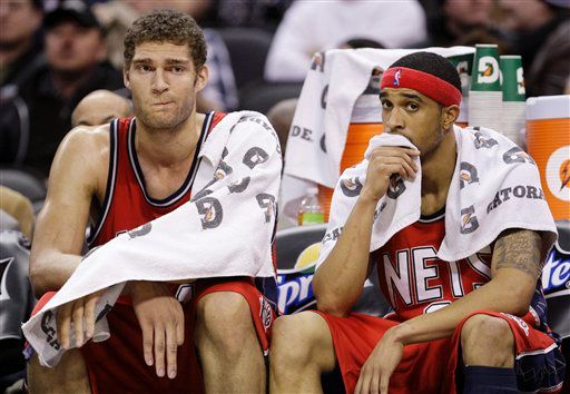 20100110-brook-lopez-courtney-lee